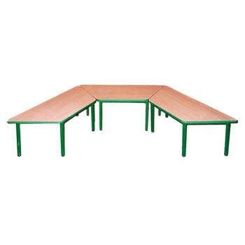 Stół przedszkolny trapezowy